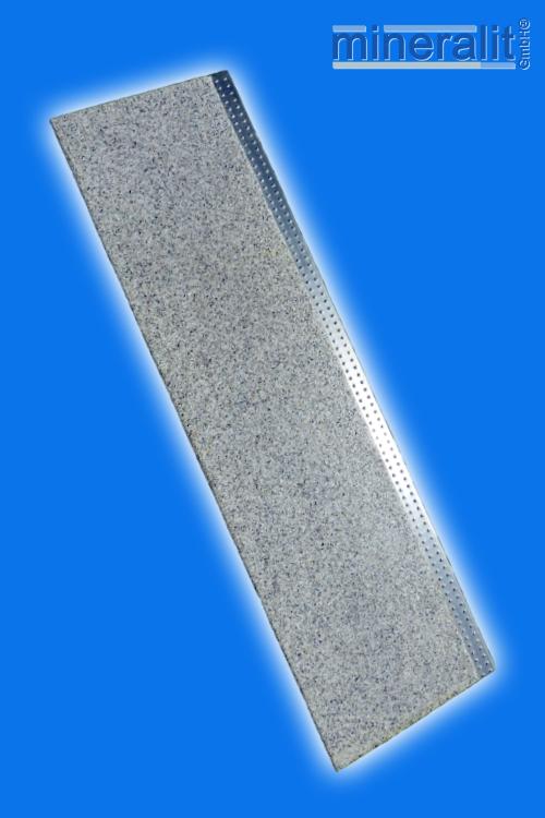 mineralit--Treppenstufe-mit-angegossenem-Trittkantenschutz