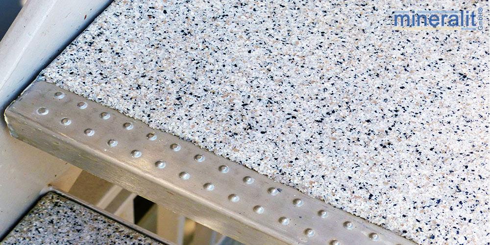 mineralit-Trittkantenschutz-freitragende-Treppenstufen