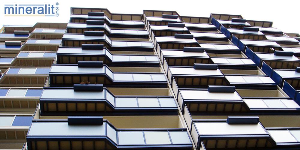 Balkone mit mineralit Plattenbelag