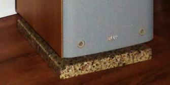 Lautsprecherunterlage aus mineralit