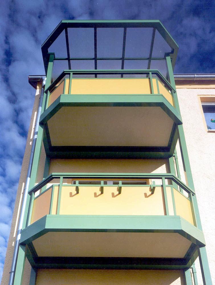 Balkonbodenplatten-für-Vorstellbalkone-aus-Mineralit