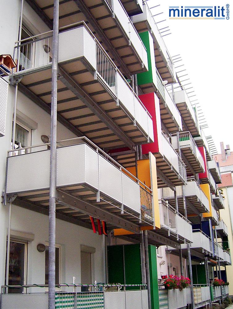 Balkone-mit-mineralit-Balkonbodenplatten
