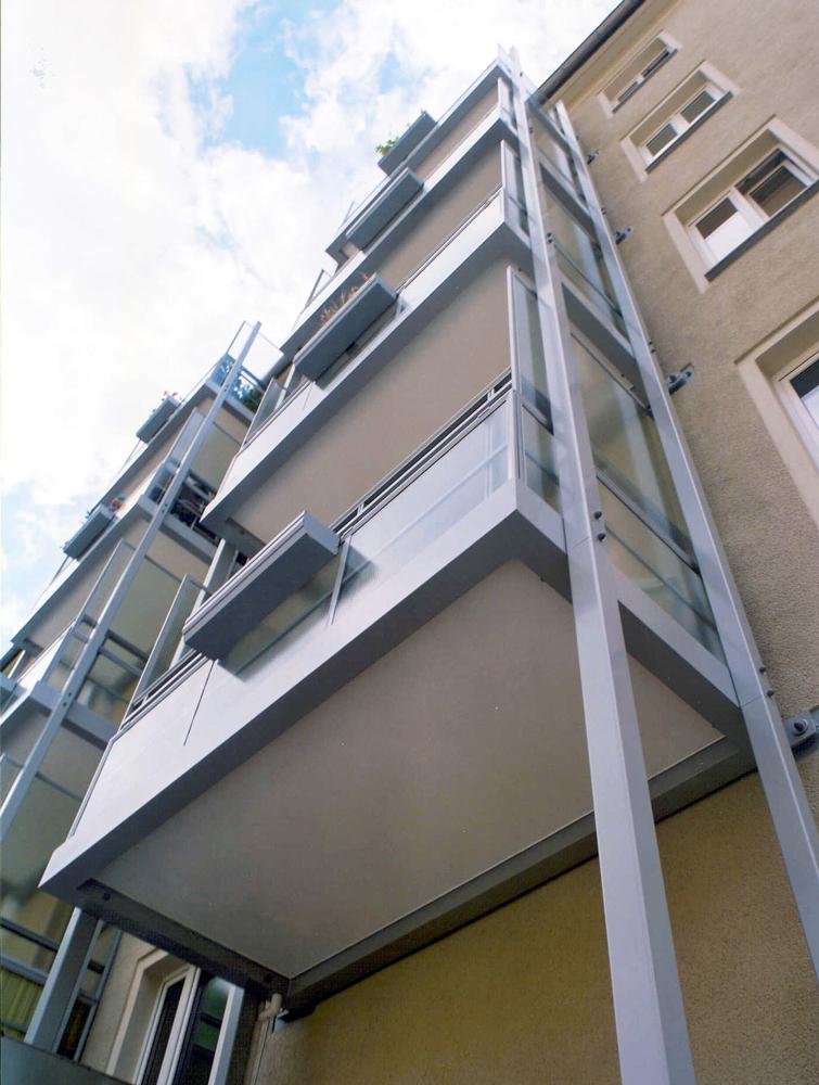 Balkonplatten-für-Vorstellbalkone-aus-mineralit