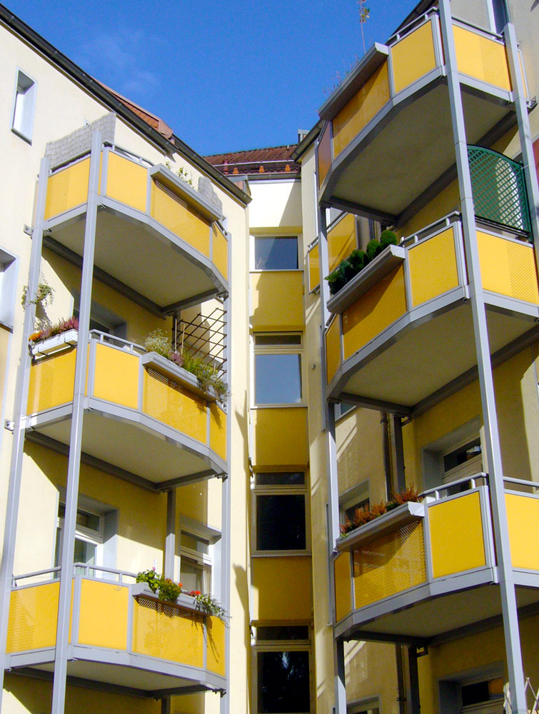 freitragende-Balkone-mit-mineralit-Balkonbodenplatten