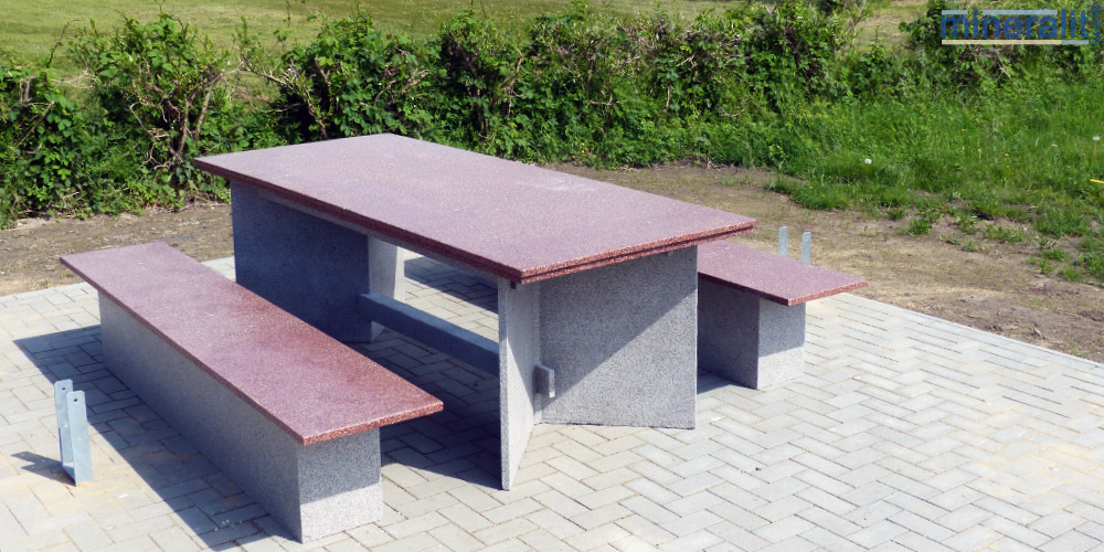 verschleißfeste-Sitzbänke-aus-Mineralit