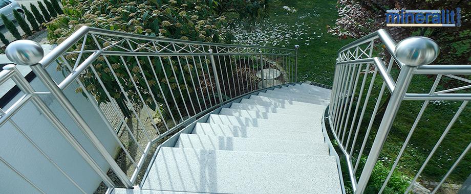 Treppenstufen-freitragend-aus-Mineralit