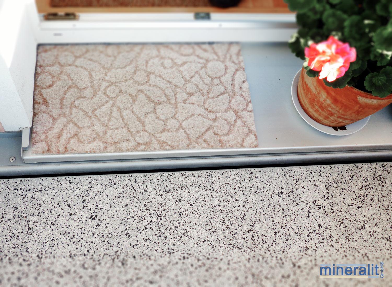 Wandanschluss-Balkonbodenplatte-Mineralguss
