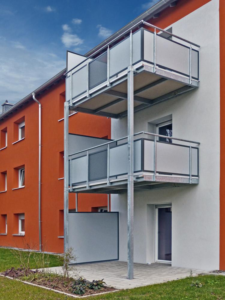 Balkonanlage mit Balkonplatten aus Polymerbeton