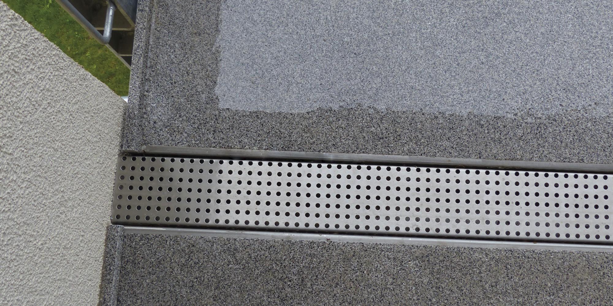 Relativ Mineralit - Balkonbelag wasserdicht, verschleißfrei & individuell MD03