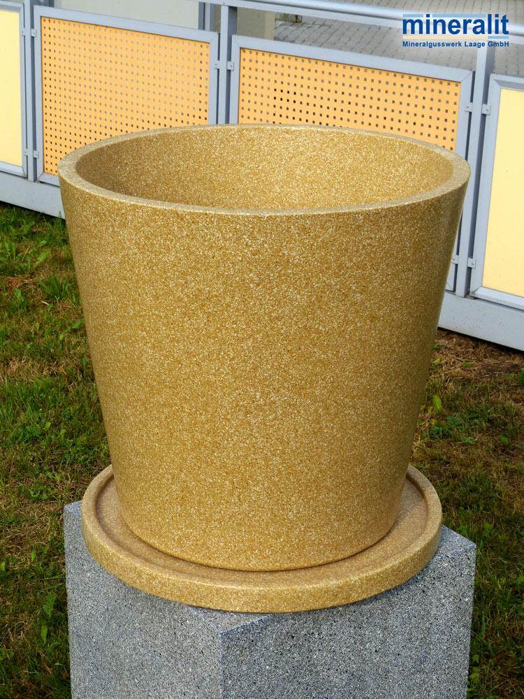runde pflanzkübel aus Polymerbeton