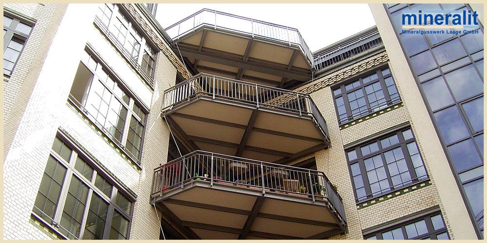 Balkonloesungen-aus-Polymerbeton