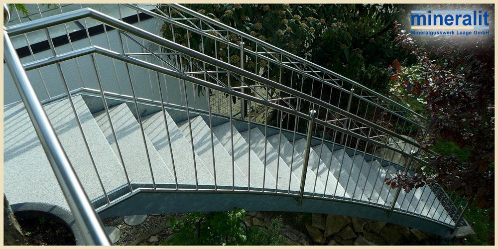 freitragende-Treppenstufen-Aussenbereich-